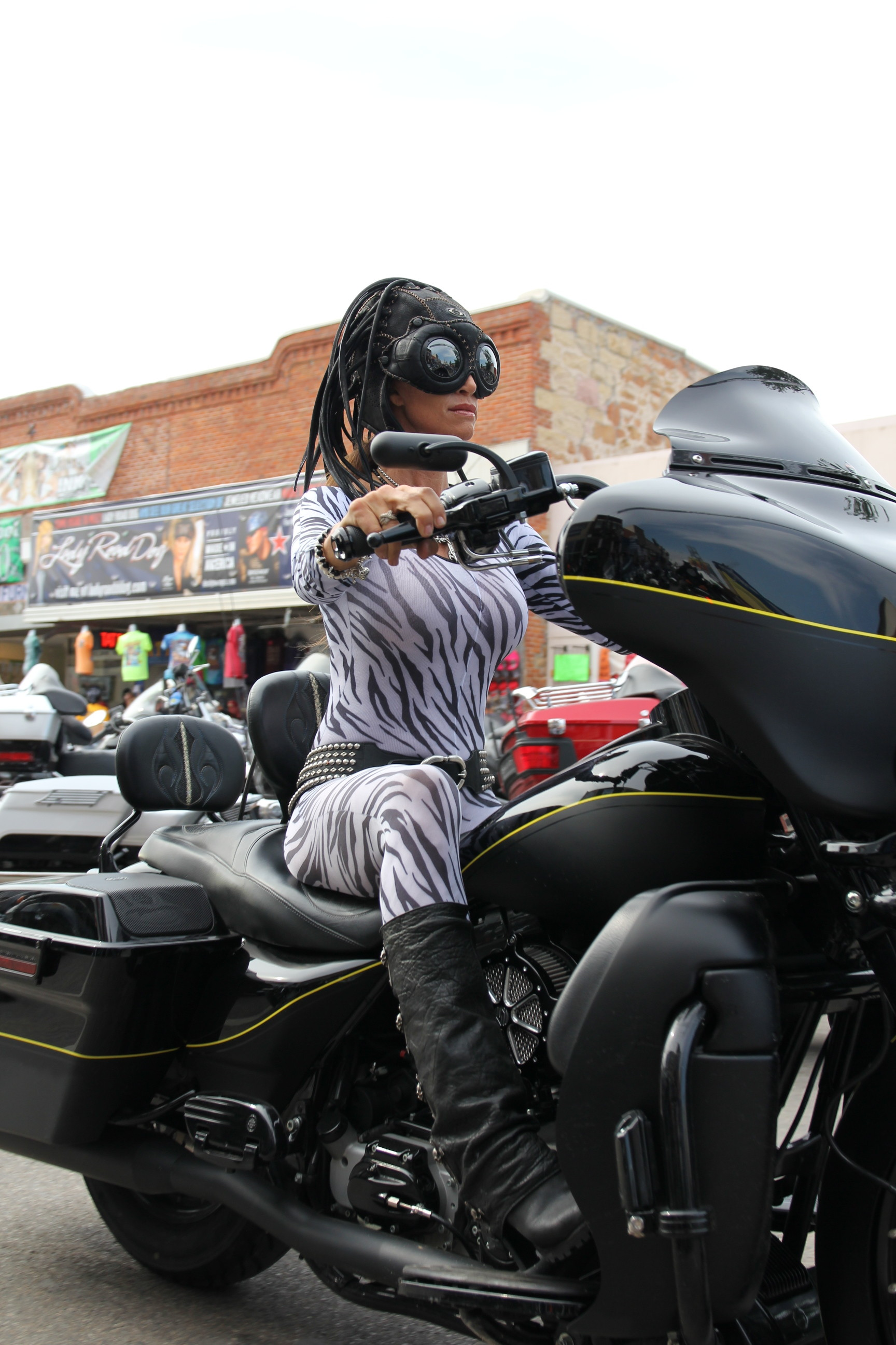 sturgis black single women Join us for a day of real women, real stories and real fun at the first annual biker belles ™ event, presented by the legendary buffalo chip.